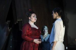 Christiane Kohl (Feldmarschallin), Ashley Thouret (Sophie), Ileana Mateescu (Octavian)  ©Thomas Jauk / Stage Picture GmbH